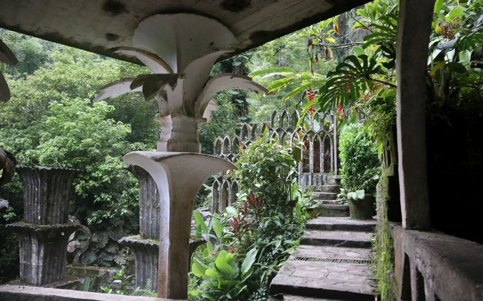 A Garden Like No Other : Edward James and Las Pozas